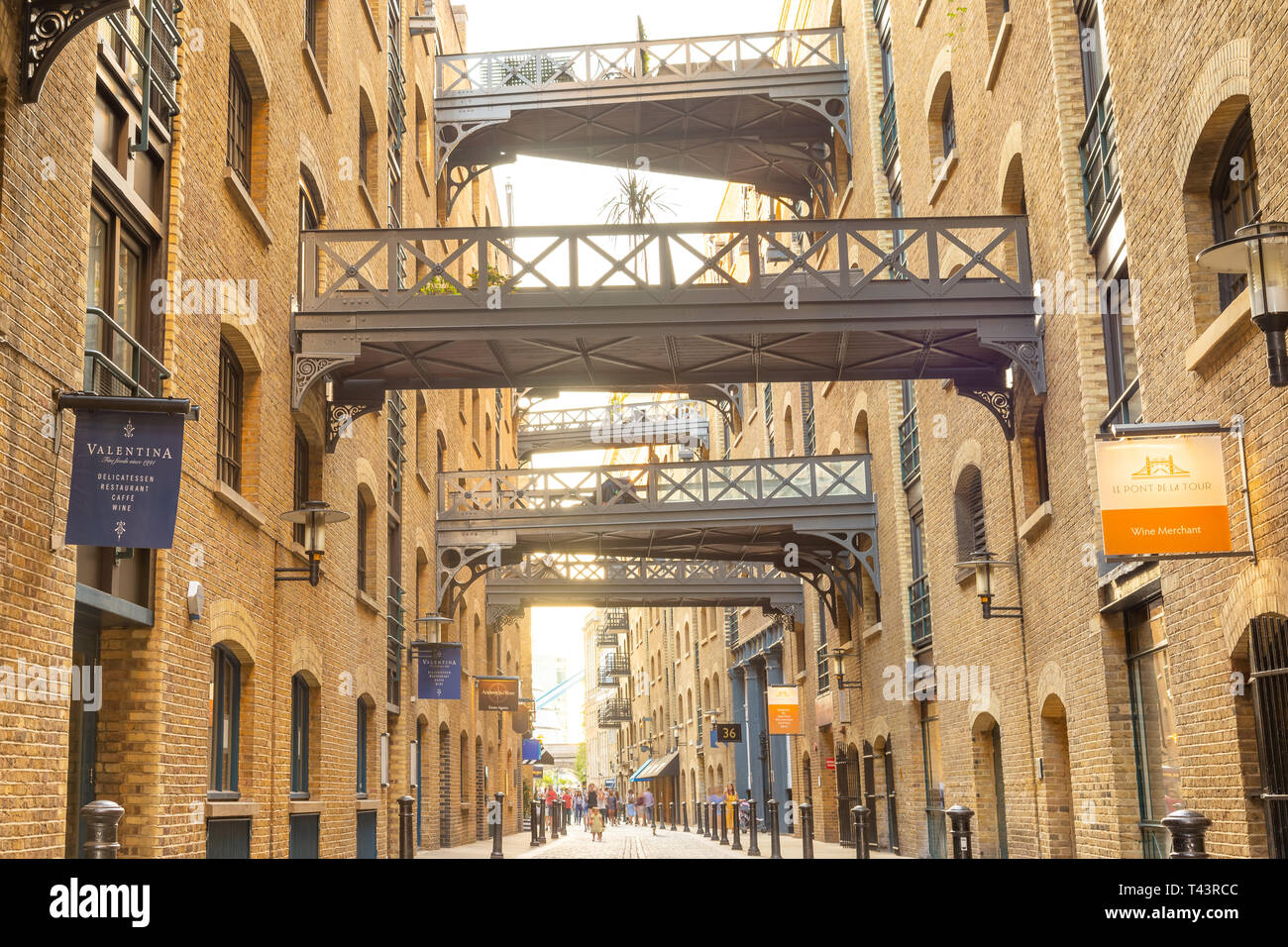 Shad Thames warehouse apartments, London, England, UK - Stock Image