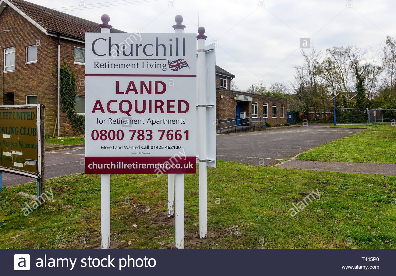 Fleet police station, closed as a cost cutting measure by Hampshire Constabulary in 2018 is to be redeveloped as apartments for the elderly. - Stock Image