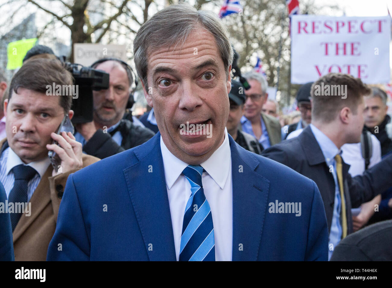 London, UK. 29th March, 2019. Nigel Farage joins pro-Brexit activists from Leave Means Leave on the final leg of the March to Leave on the day on whic - Stock Image