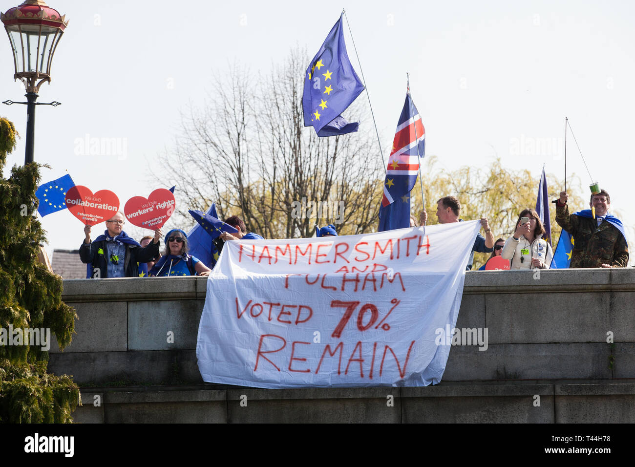 London, UK. 29th March, 2019. Pro-EU activists contest the final leg of the March to Leave on the day on which the UK was originally to have left the  - Stock Image