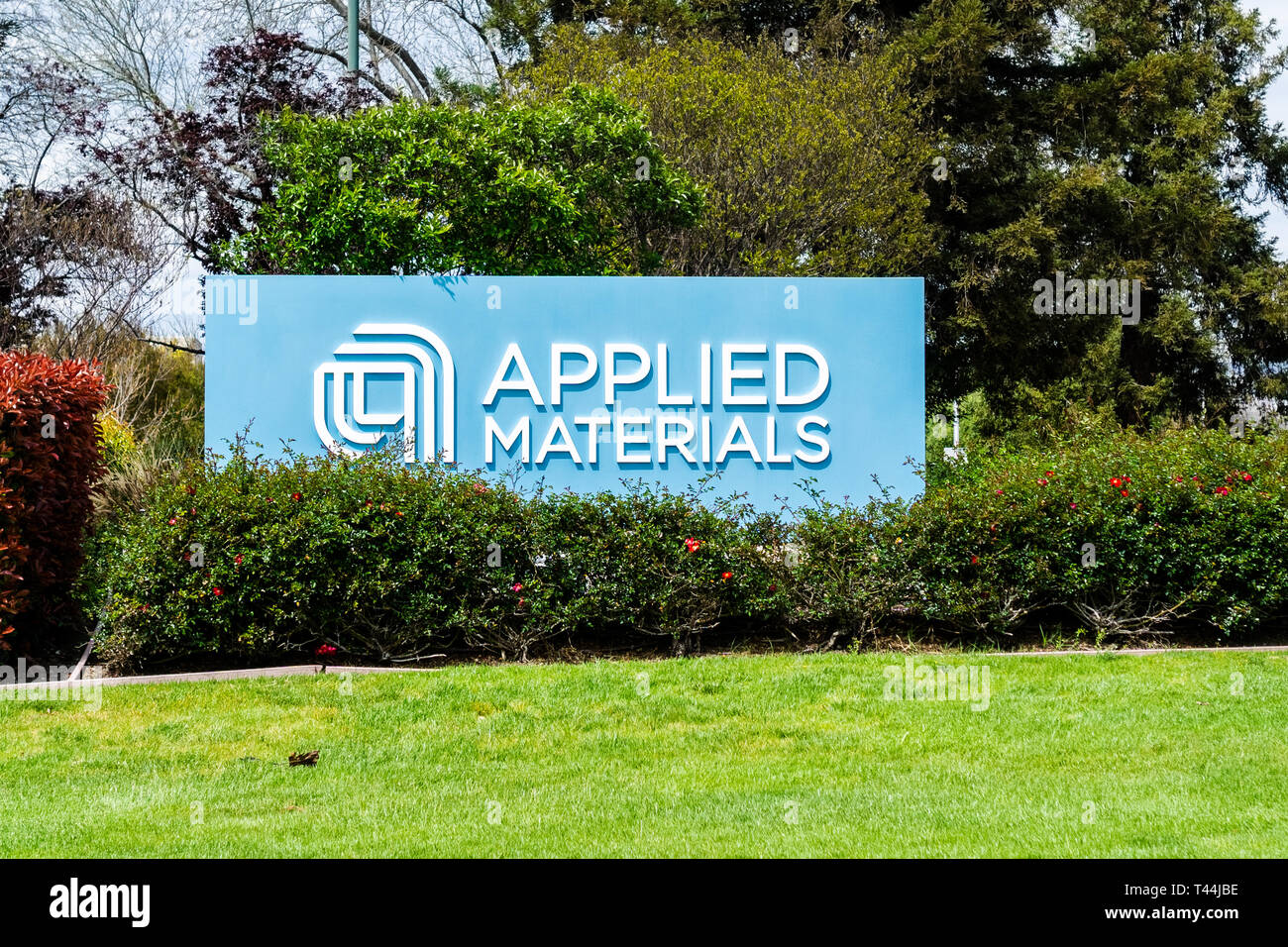 April 11, 2019 Santa Clara / CA / USA - Applied Materials sign posted at the entrance to the Company's campus in Silicon Valley, South San Francisco b Stock Photo