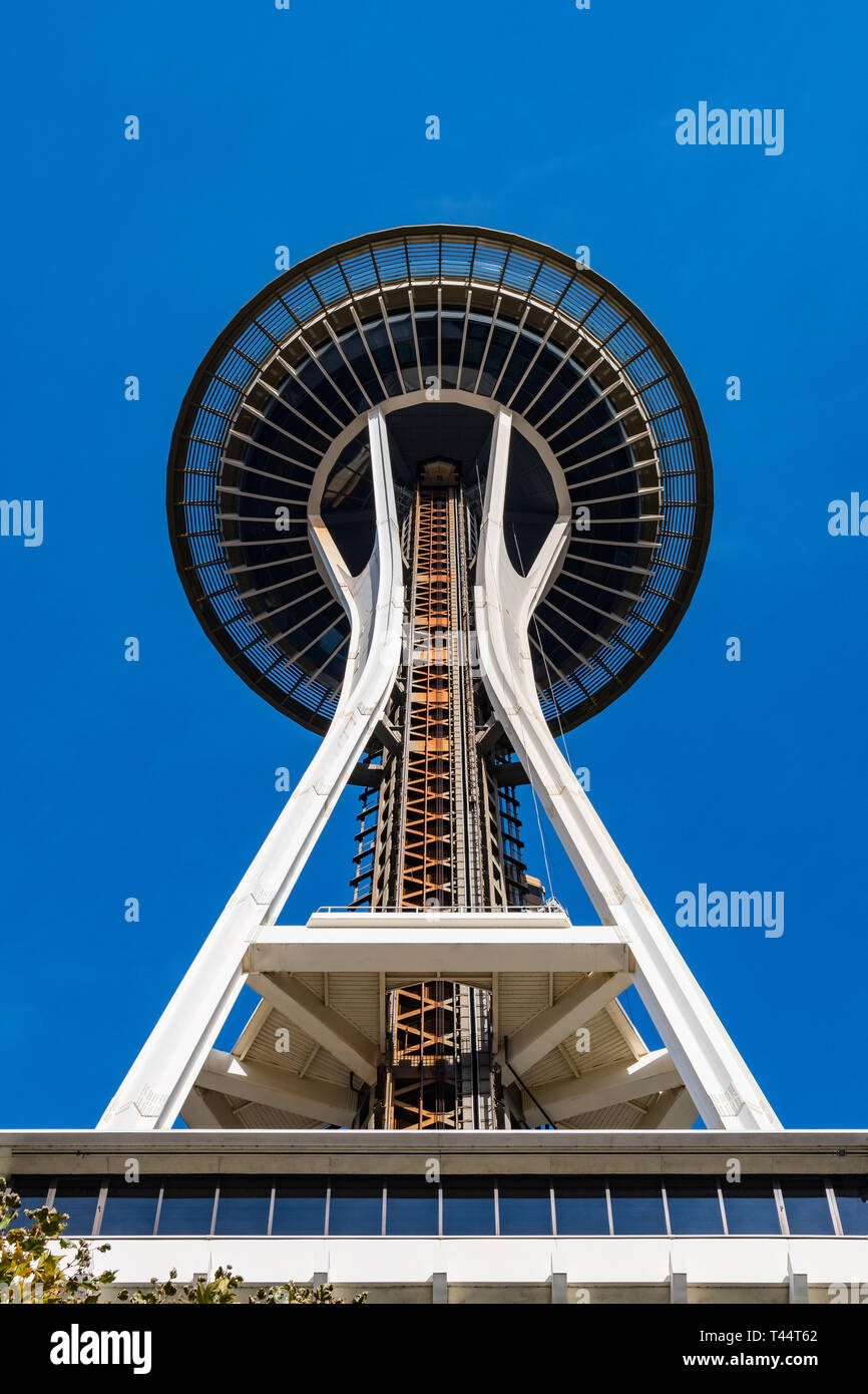 The Top Of The Space Needle Seen From Below In Seattle Stock Photo Alamy