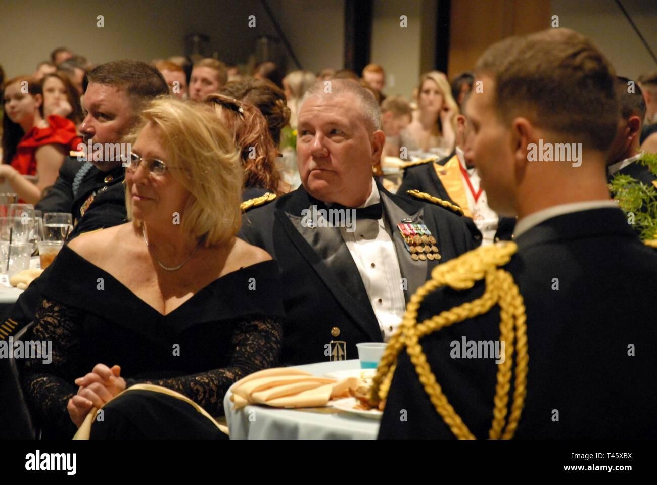 Brig  Gen  Ronald Westfall listens as 1-151st Infantry