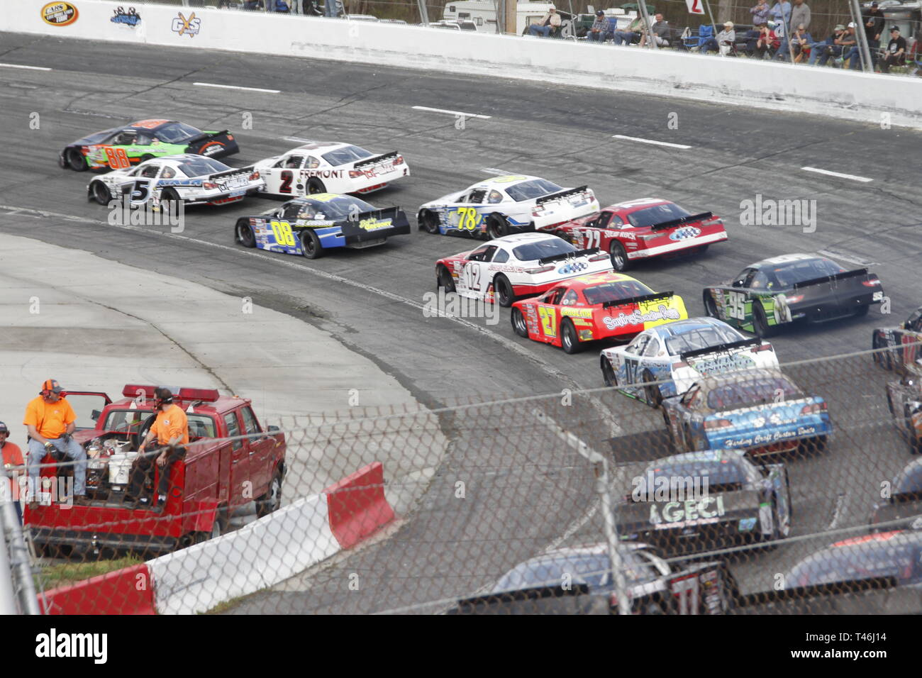 Race cars on racetrack at Orange County Speedway North Carolina - Stock Image