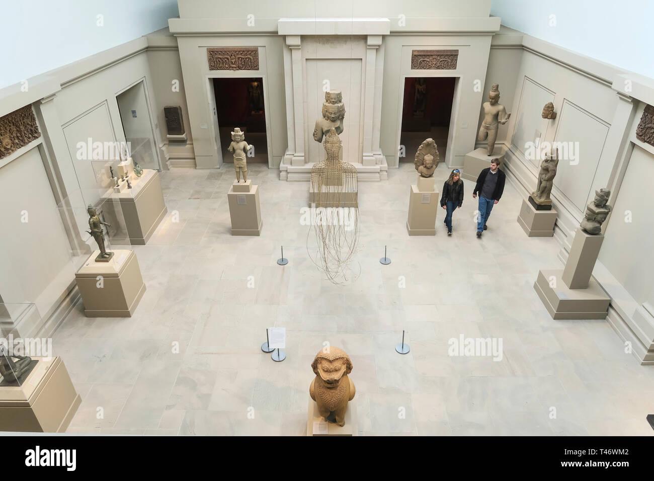 Asian Art Wing at the Metropolitan Museum of Art in New York City, USA - Stock Image