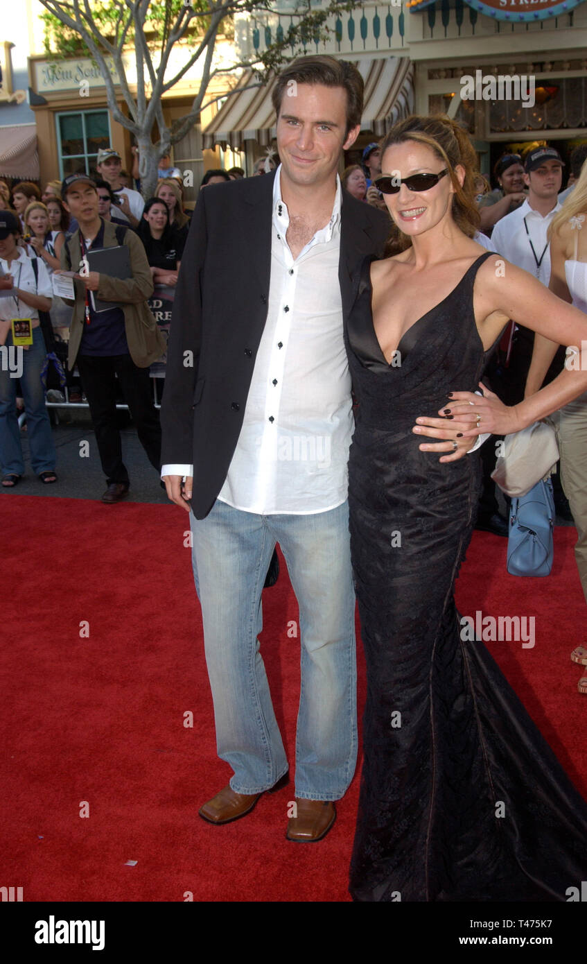 LOS ANGELES, CA. June 28, 2003: Actor JACK DEVENPORT & girlfriend at the world premiere of his new movie Pirates of the Caribbean: The Curse of the Black Pearl, at Disneyland, California. - Stock Image