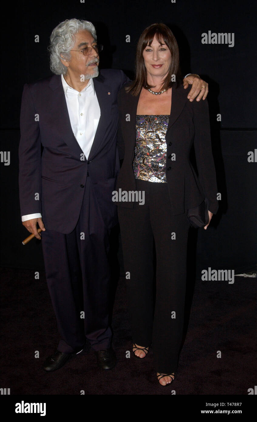 Los Angeles Ca September 09 2003 Actress Anjelica Huston Husband Robert Graham At Fashion Show Event On Rodeo Drive Beverly Hills Where Designer Giorgio Armani Was Honored With The First Rodeo
