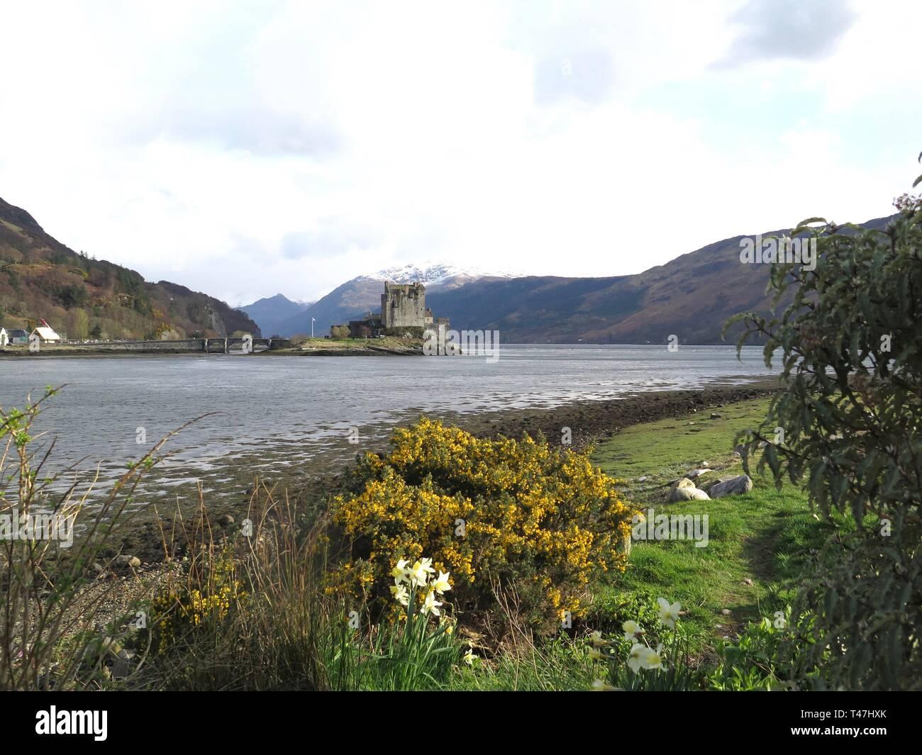 Scotland: Loch Alsh & Eilean Donan Castle - Stock Image