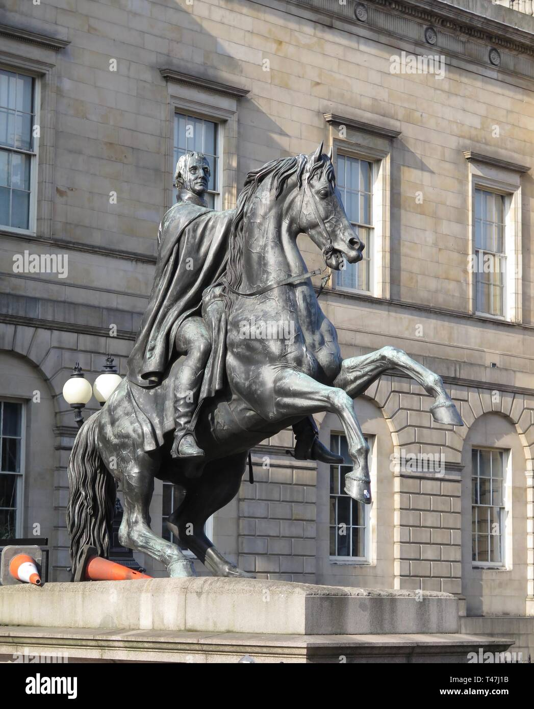 Scotland: Edinburgh,The Duke of Wellington statue at Register House - Stock Image
