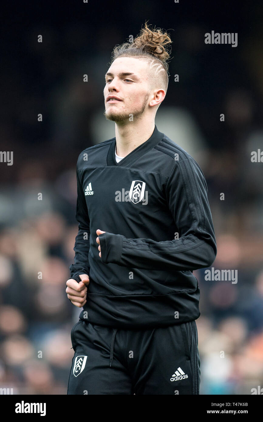 LONDON, ENGLAND - APRIL 13: Harvey Elliott of Fulham FC warm up during the  Premier League match between Fulham FC and Everton FC at Craven Cottage on  April 13, 2019 in London,