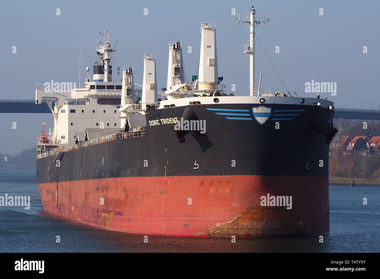 Bulk Carrier Doric Trident entering the Holtenau locks - Stock Image