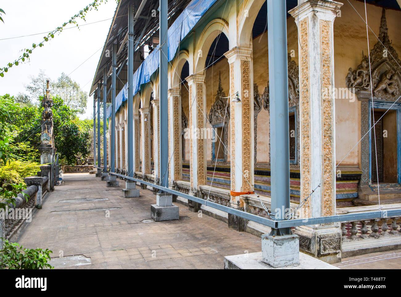 Rep[airs at Wat Bo Temple, Siem Reap, Cambodia. - Stock Image