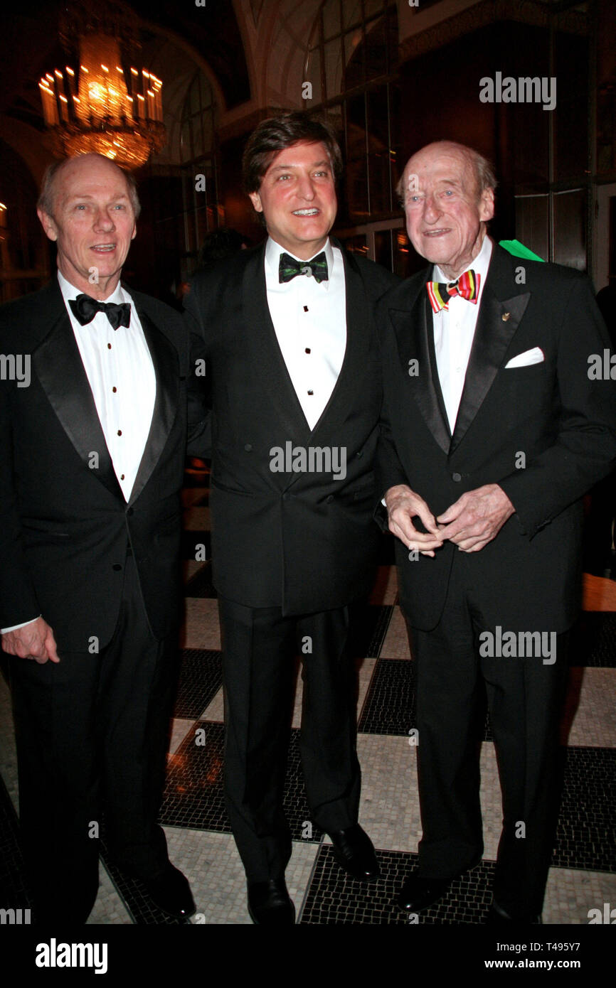 New York, USA. 05 Feb, 2007.  Michael Cooke, Henry Cornell, Osborne Elliott at The Citizens Committee For New York City ÒNew Yorkers for New York CityÓ 2007 Awards Gala at The Waldorf=Astoria on February 05, 2007 in New York, NY. Credit: Steve Mack/S.D. Mack Pictures/Alamy - Stock Image