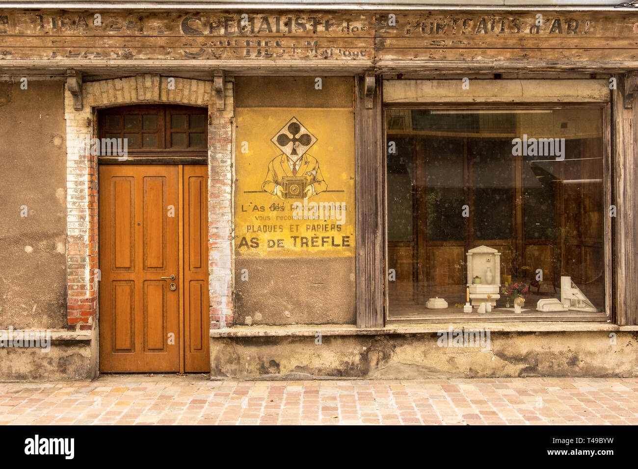 Cherbourg-Octeville, France - August 21, 2018: Old photo studio and photo shop in Cherbourg . Normandy, France - Stock Image