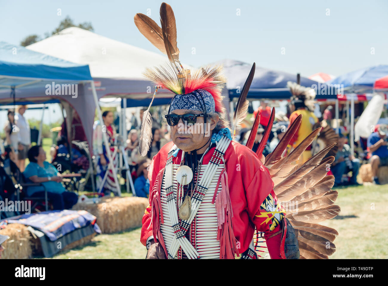 Native American Man in Full Regalia at 2019 21st Annual Chumash Day Powwow and Intertribal Gathering, Malibu, California, April 13, 2019 - Stock Image