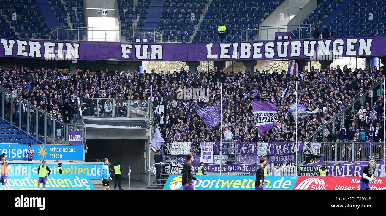 firo: 14.04.2019 Football, 3rd Bundesliga, season 2018/2019 KFC Uerdingen 05 - VfL OsnabrÃ_ck The fan corner of OsnabrÃ_cker is already packed right before the start of the match. Approximately 3000 fans have come. | usage worldwide - Stock Image