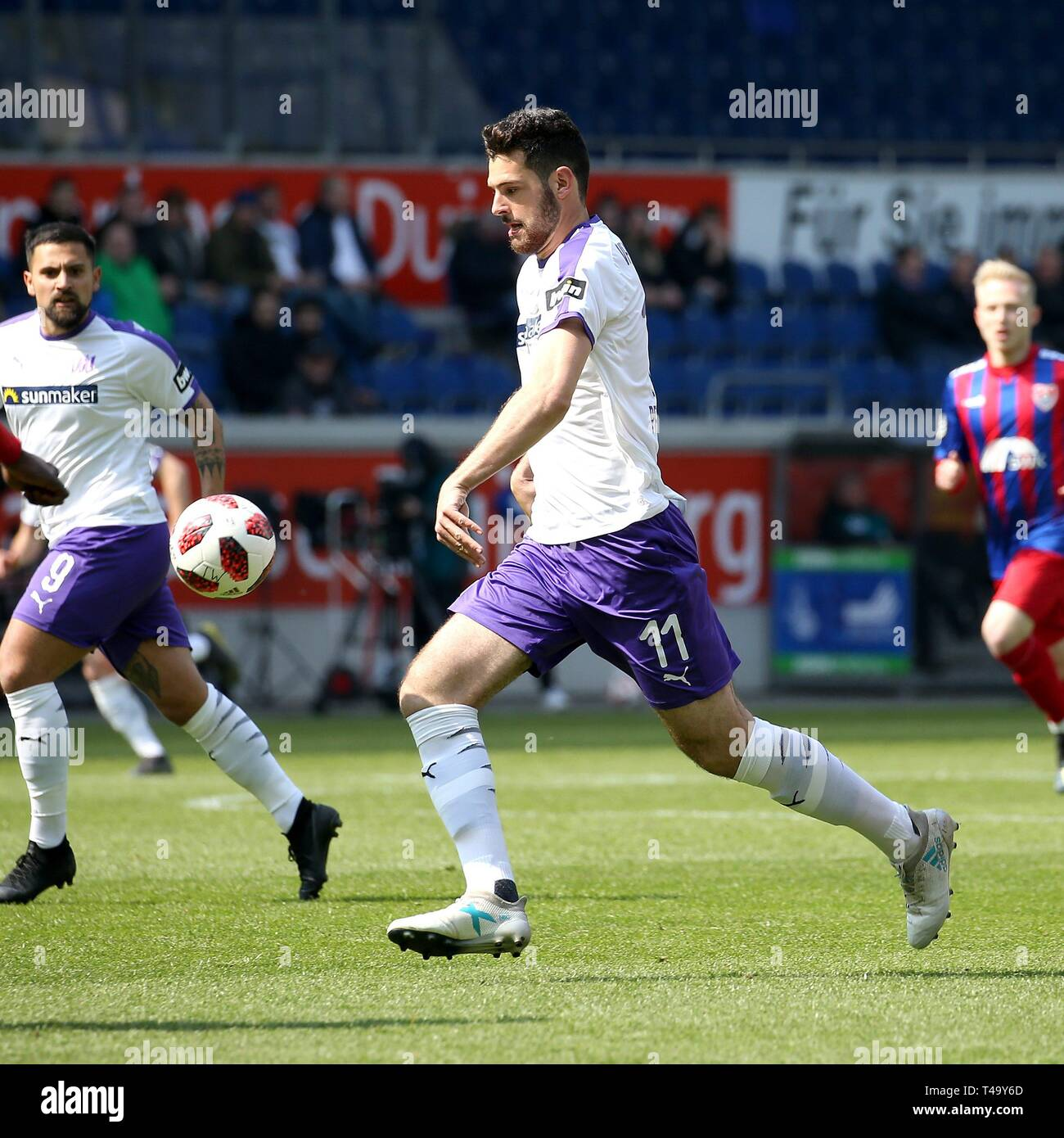 Duisburg, Deutschland. 14th Apr, 2019. firo: 14.04.2019 Football, 3. Bundesliga, season 2018/2019 KFC Uerdingen 05 - VfL Osnabróck Luca Pfeiffer (# 11, VfL OsnabrÃ_ck) Single action | usage worldwide Credit: dpa/Alamy Live News - Stock Image