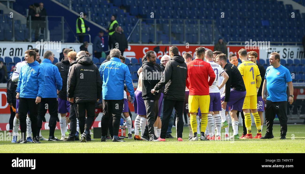 Duisburg, Deutschland. 14th Apr, 2019. firo: 14.04.2019 Football, 3. Bundesliga, season 2018/2019 KFC Uerdingen 05 - VfL Osnabróck coach Daniel Thioune (#DT, VfL OsnabrÃ_ck) thanks the players. | usage worldwide Credit: dpa/Alamy Live News - Stock Image