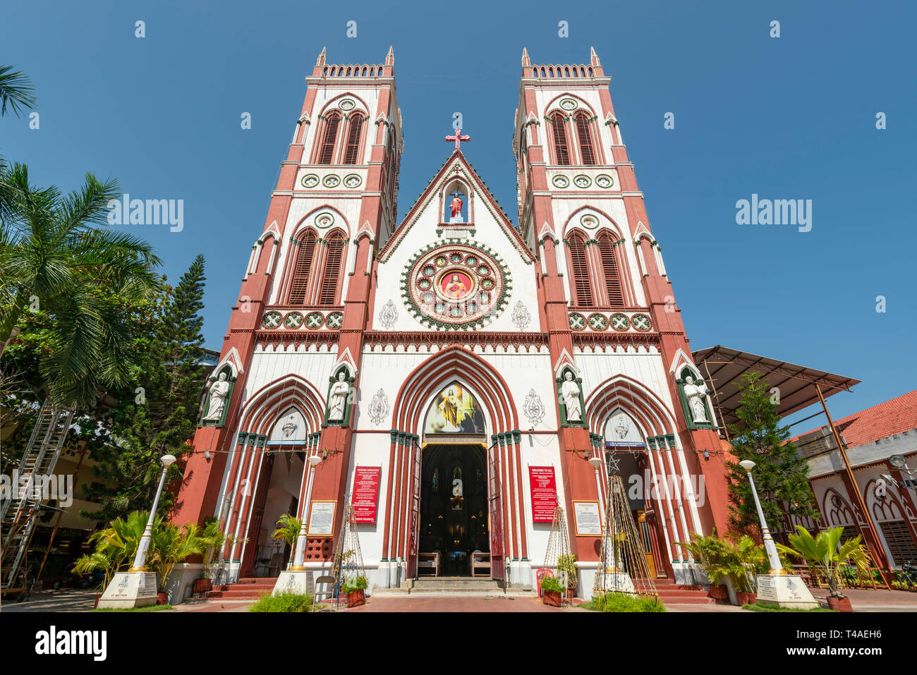 Horizontal view of the Sacred Heart Basilica in Pondicherry, India. - Stock Image