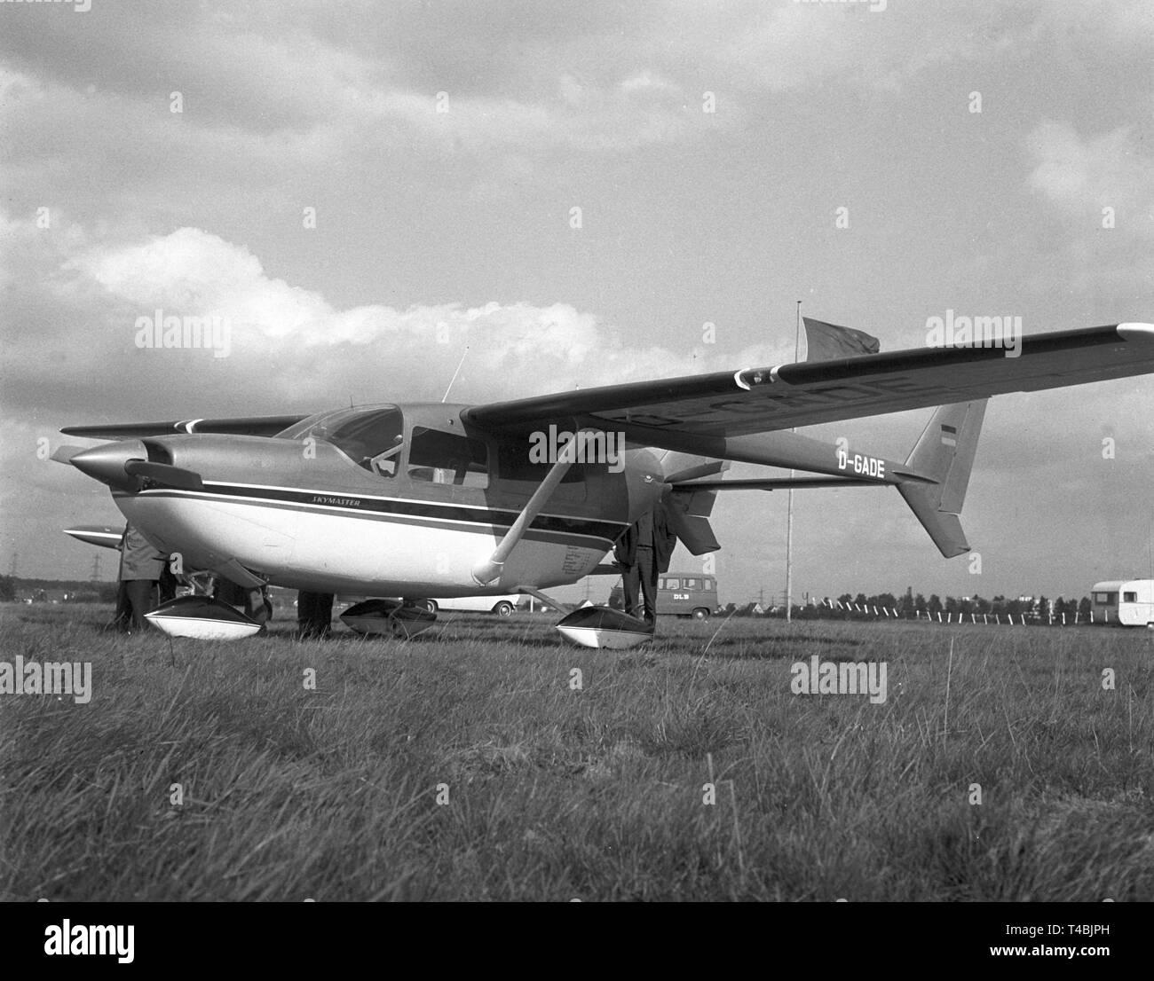 Skymaster Stock Photos & Skymaster Stock Images - Alamy