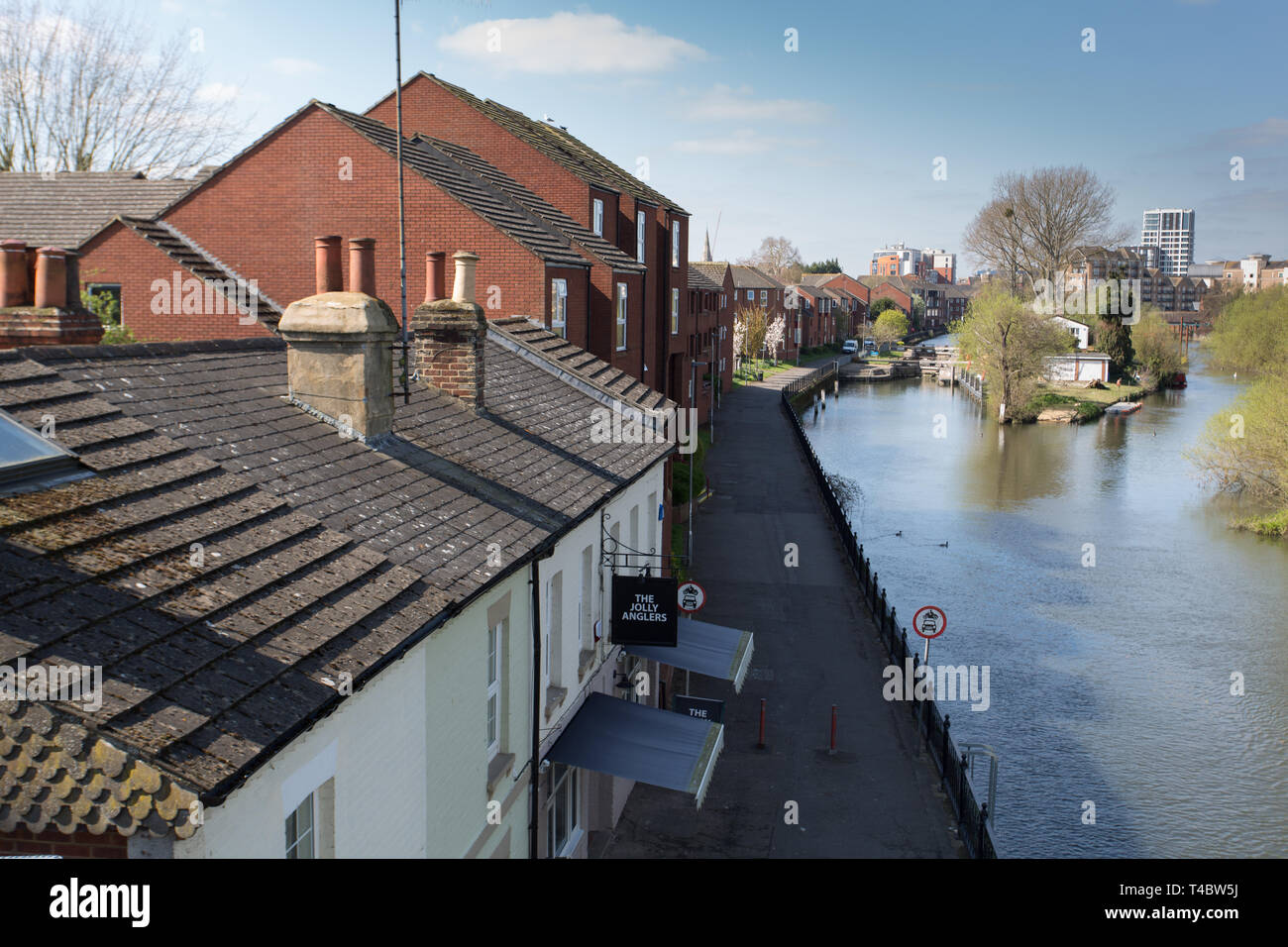 Looking west along River Kennet towards Reading town centre - Stock Image