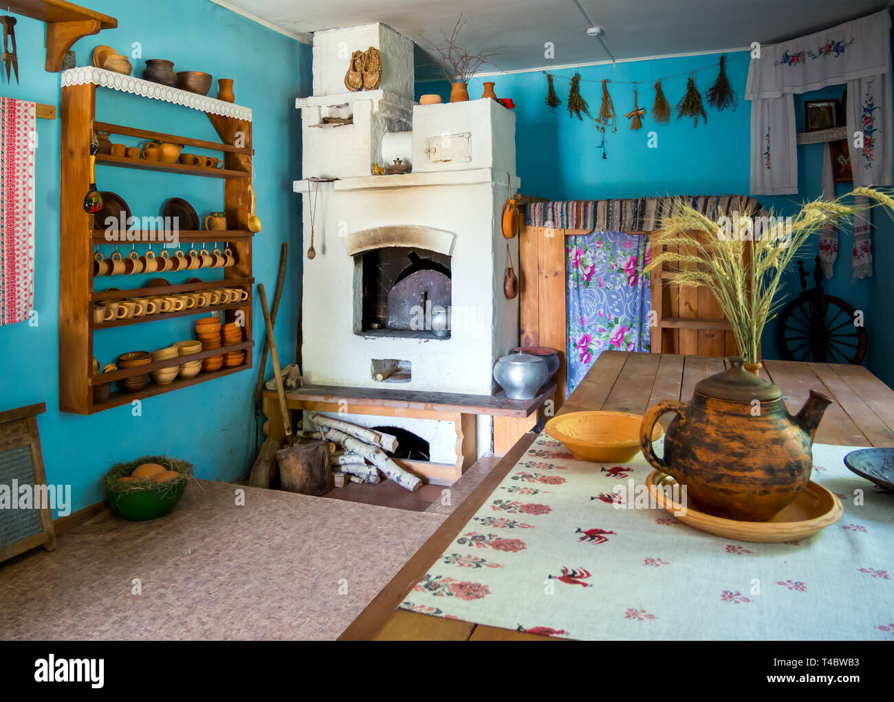 Zadonsk, Russia - August 28, 2018: Reconstruction of the Russian izba, Zadonsk Regional Museum, Zadonsk - Stock Image