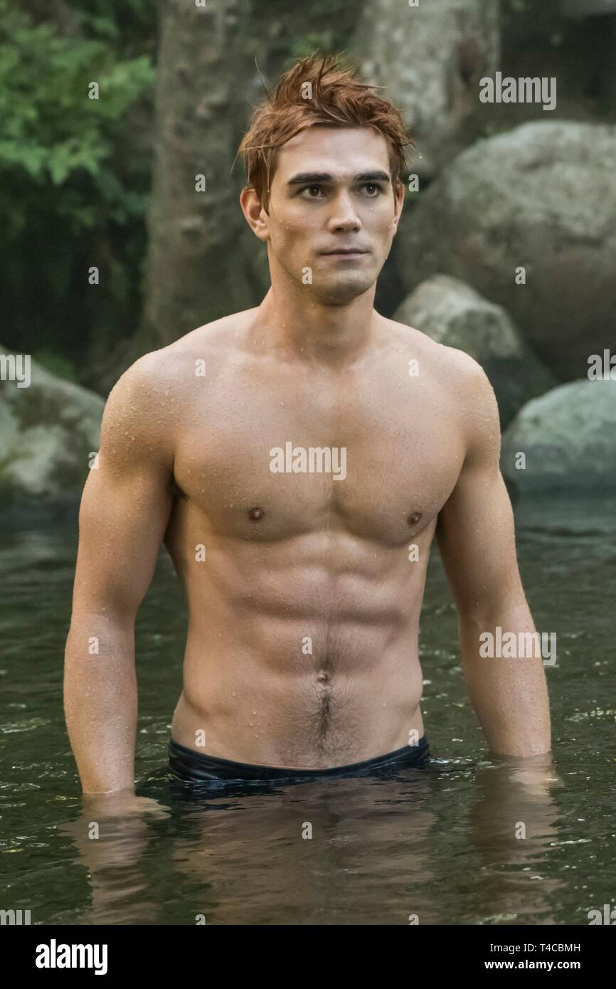KJ APA in RIVERDALE (2017). Season 1. Credit: CBS TELEVISION / Album - Stock Image