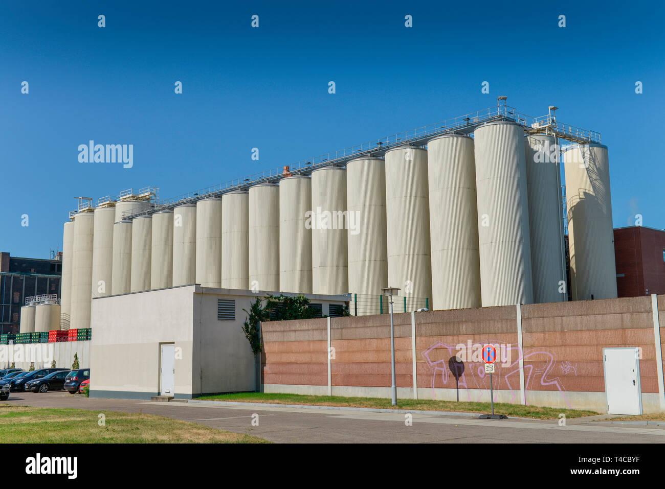 Silos, Kindl-Schultheiss-Brauerei, Indira-Gandhi-Strasse, Hohenschoenhausen, Lichtenberg, Berlin, Deutschland - Stock Image
