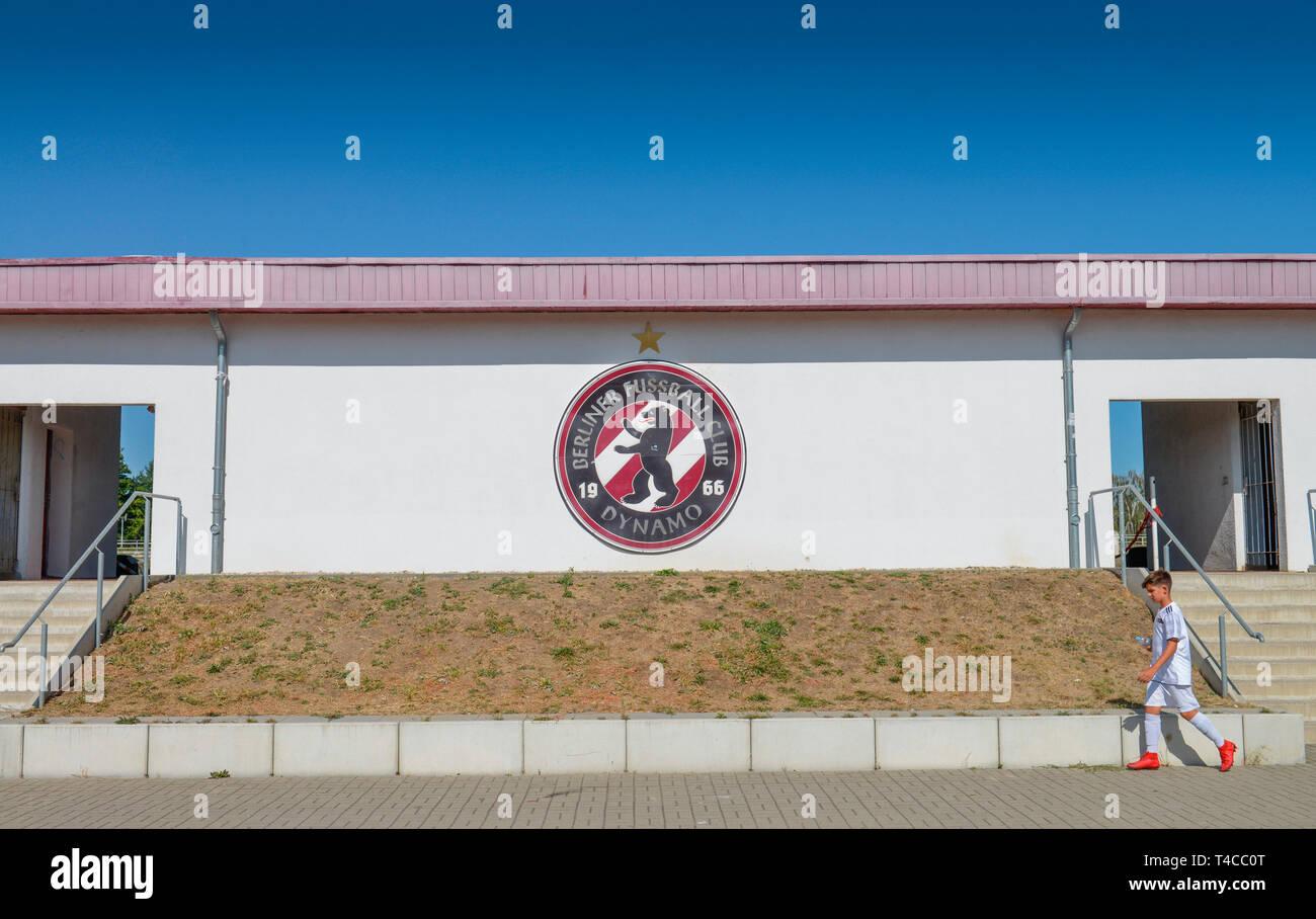 Tribuene, Fussballstadion BFC Dynamo, Sportforum Berlin, Weissenseer Weg, Hohenschoenhausen, Lichtenberg, Berlin, Deutschland - Stock Image