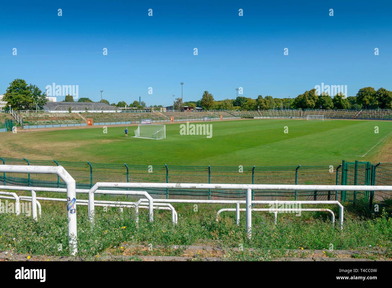 Fussballstadion BFC Dynamo, Sportforum Berlin, Weissenseer Weg, Hohenschoenhausen, Lichtenberg, Berlin, Deutschland - Stock Image