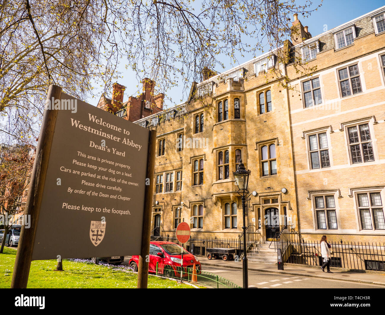 Westminster Abbeys Deans Yard, Westminster Abbey, Westminster, London, England, UK, GB. - Stock Image