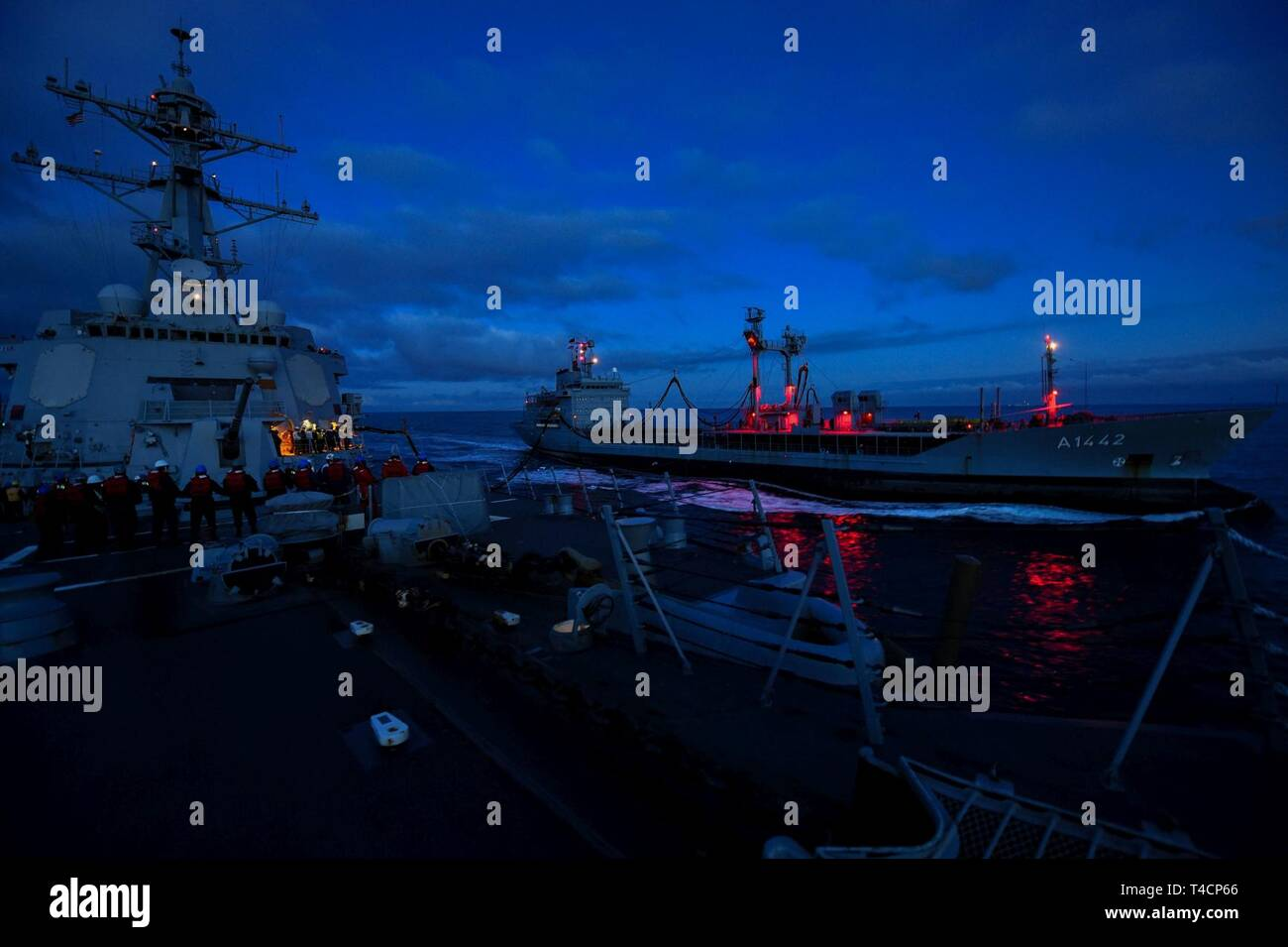 CHANNEL (Mar  21, 2019) Sailors from the guided-missile destroyer