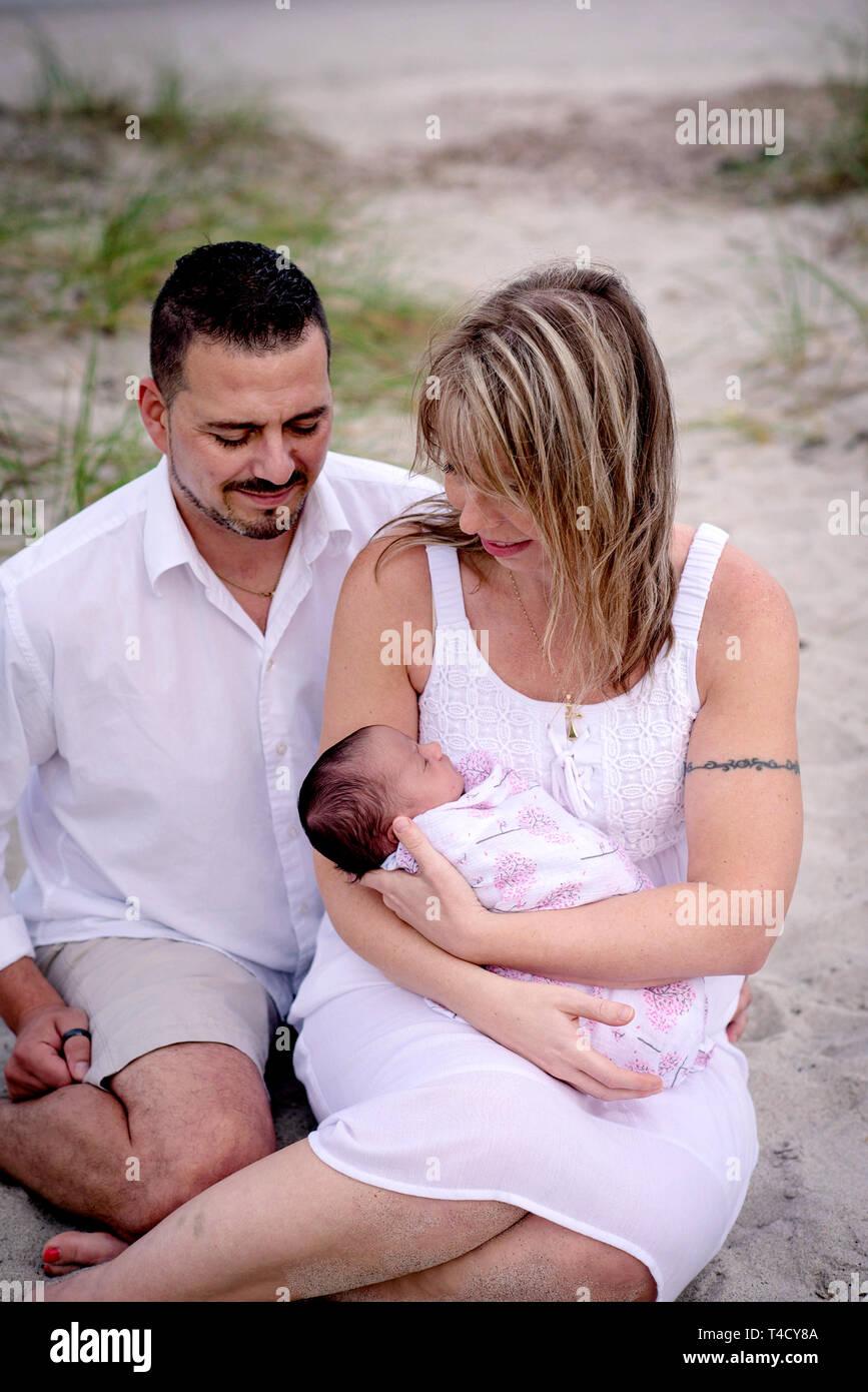 loving family beach - Stock Image