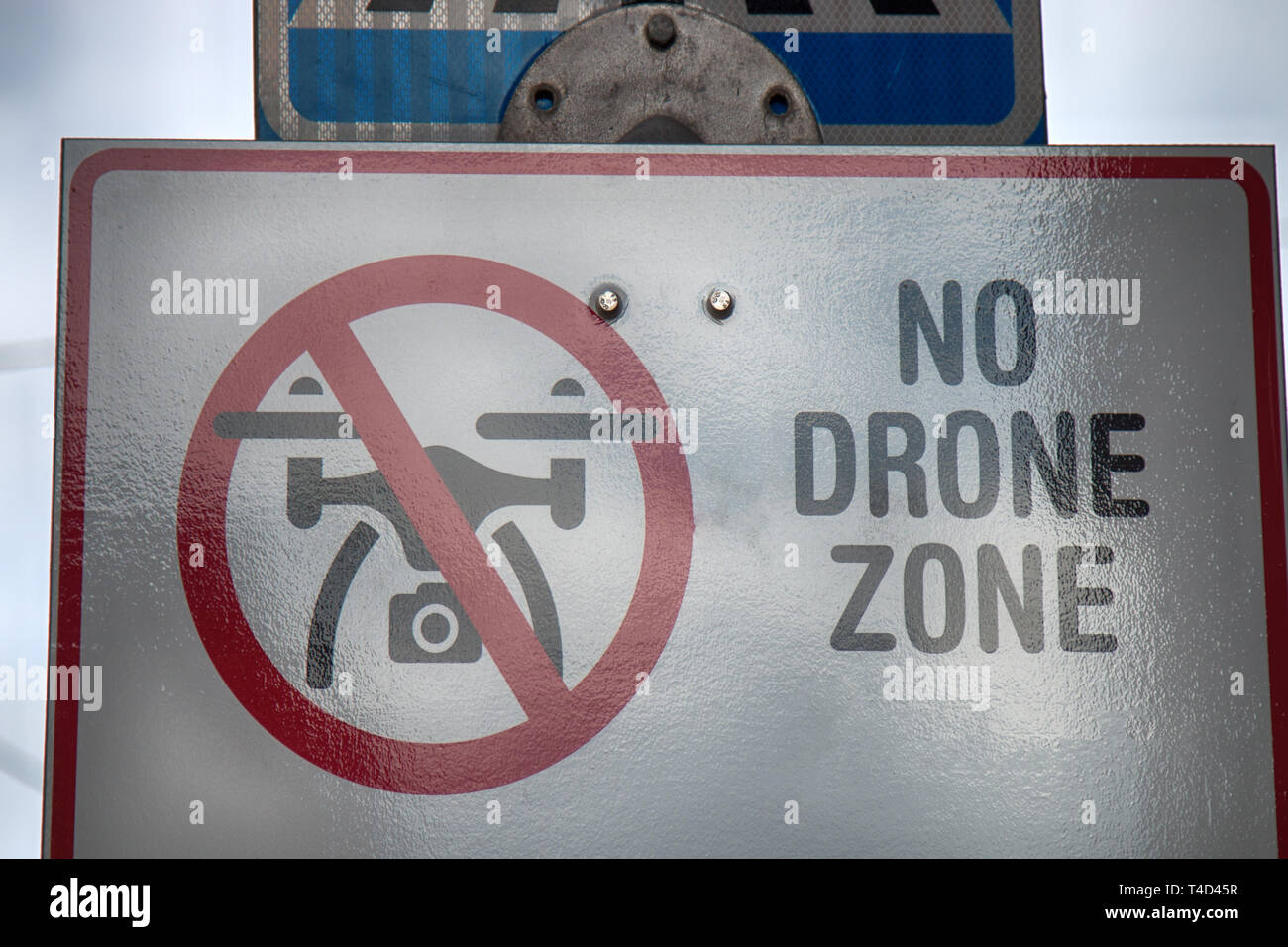 The signpost prohibits the use of drones (inhibition sign) Stock Photo