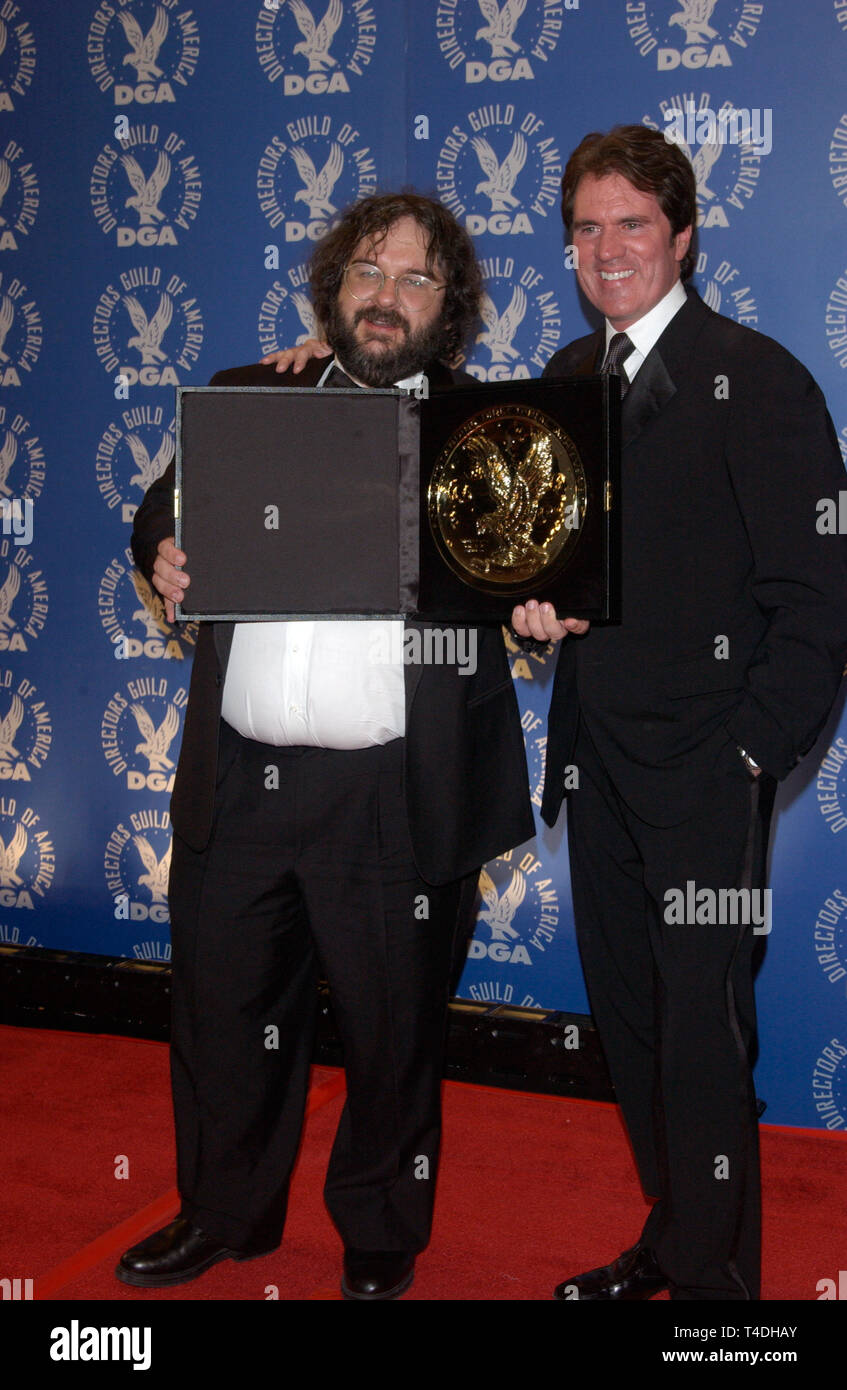 LOS ANGELES, CA. February 07, 2004: Best Feature Film Director winner PETER JACKSON (left) & last year's winner director ROB MARSHALL at the 56th Annual Directors Guild Awards in Century City, Los Angeles, CA. - Stock Image