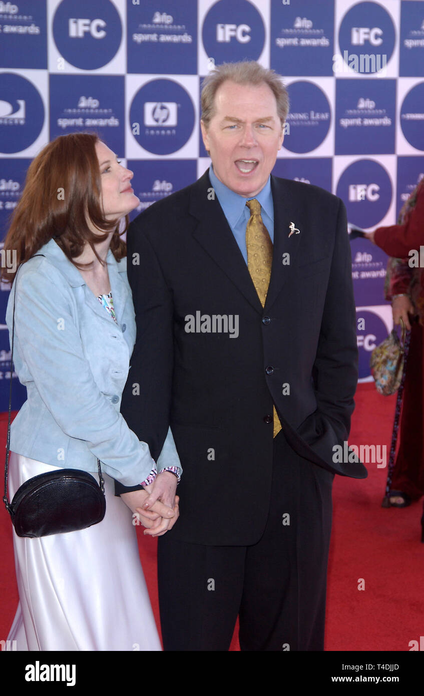 LOS ANGELES, CA. February 28, 2004: MICHAEL McKEAN & ANNETTE O'TOOLE at the 2004 IFP Independent Spirit Awards on the beach at Santa Monica, CA. Stock Photo
