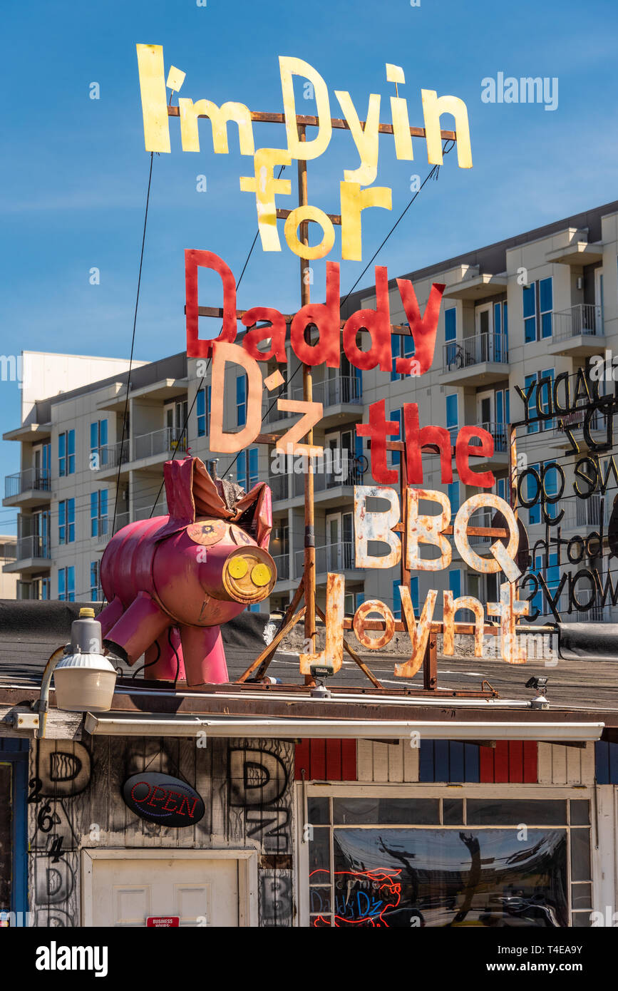 Daddy D'z BBQ Joynt offers hickory & oak pit smoked barbecue Southern cuisine in Atlanta, Georgia. (USA) - Stock Image