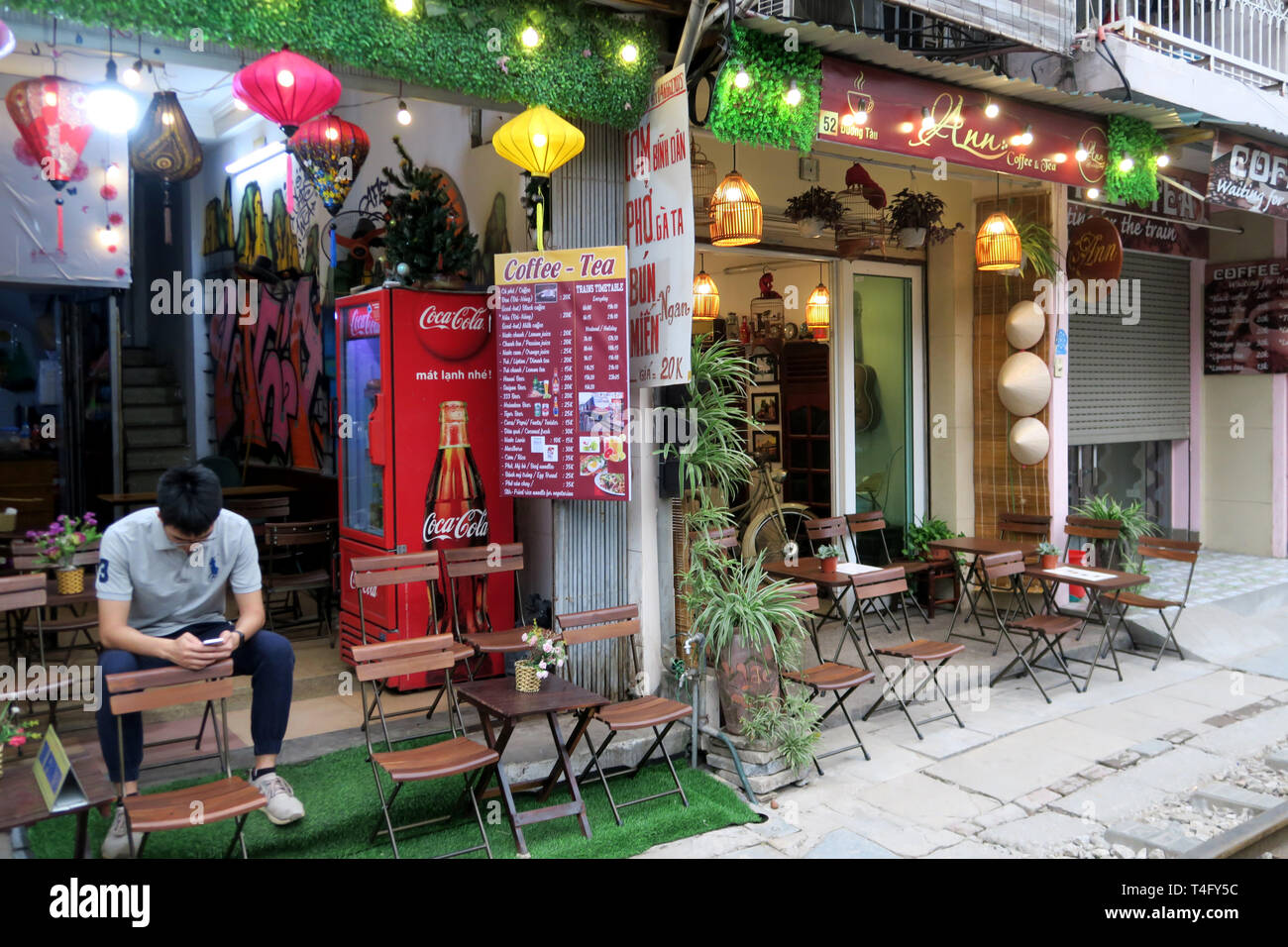 Venues by the rails Old Town, Hanoi, Vietnam - Stock Image