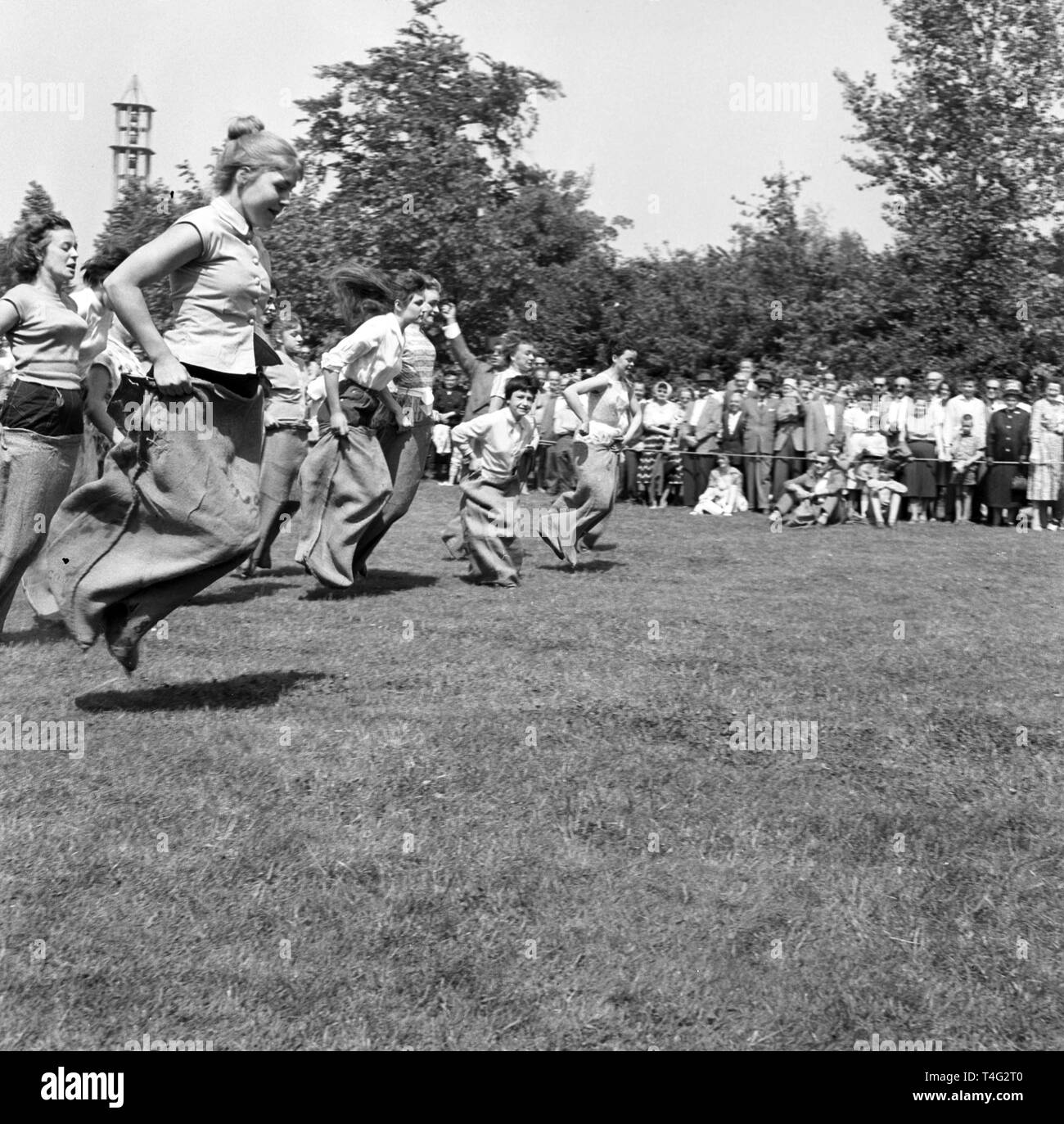 On the Open Day on 10 May 1959, young people from Berlin could go head-to-head in a sack race. Dagmar Kettner was the winner. | usage worldwide - Stock Image
