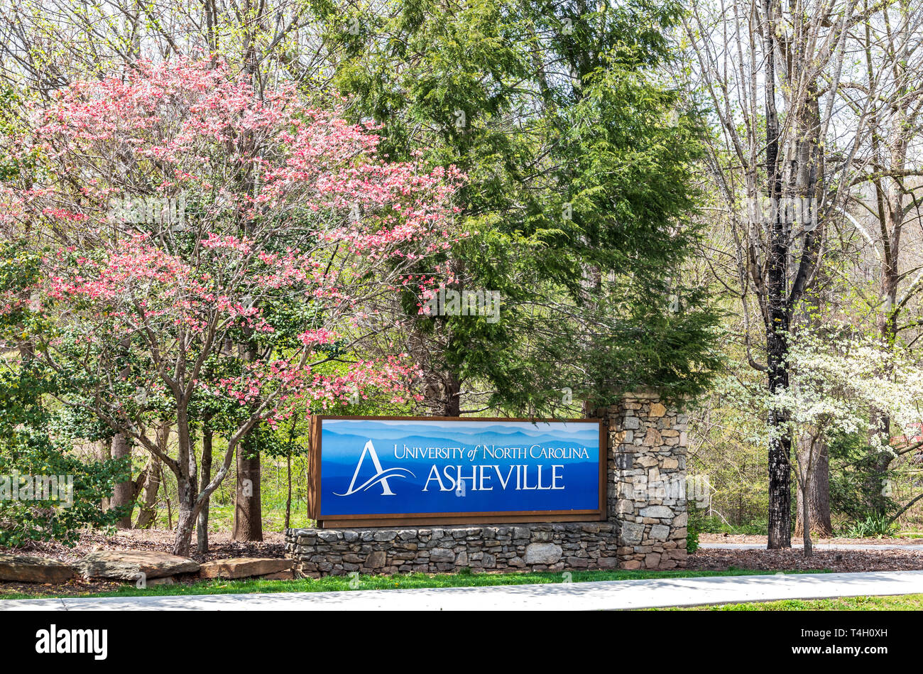 ASHEVILLE, NC, USA-4/11/19:  Entrance sign at campus of the University of North Carolina at Asheville, in early spring. - Stock Image