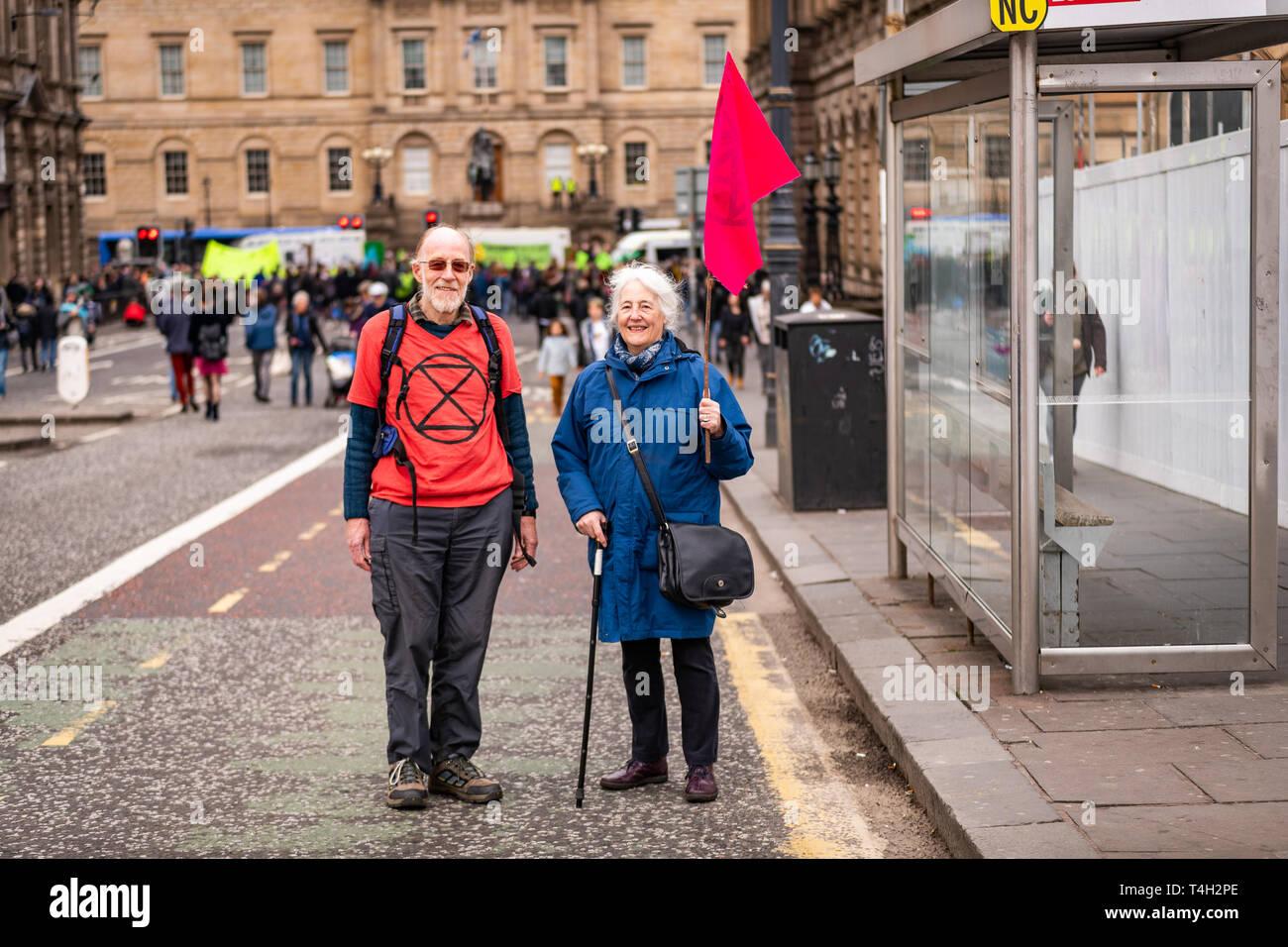 Edinburgh, UK. 16th April 2019. Protesters on North Bridge, Edinburgh, take part in the XR Climate Emergency Roadblock Demonstration. Stock Photo