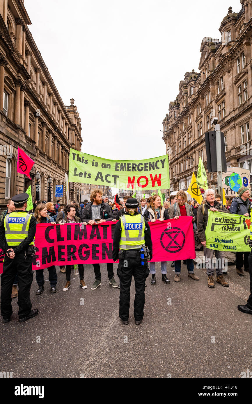 Edinburgh, UK. 16th April 2019. Protesters on North Bridge, Edinburgh, take part in the XR Climate Emergency Roadblock Demonstration. Stock Photo
