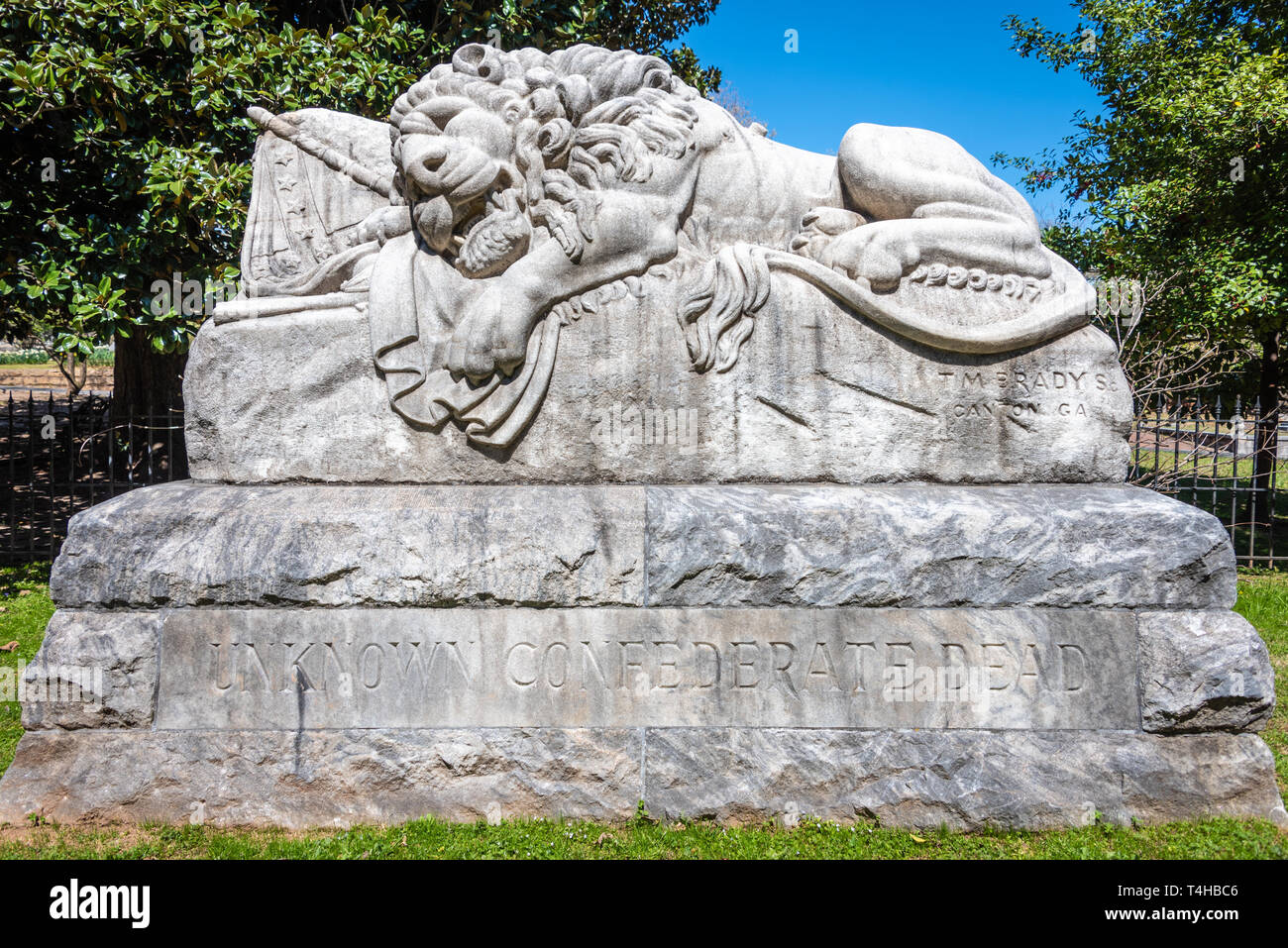 Unknown Confederate Dead memorial known as The Lion of the Confederacy, or The Lion of Atlanta, at Oakland Cemetery in Atlanta, Georgia. (USA) - Stock Image
