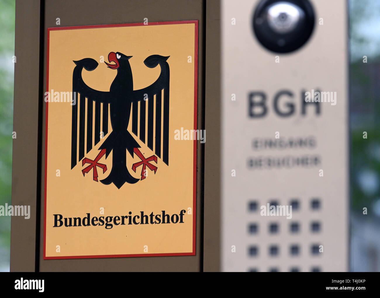 17 April 2019, Baden-Wuerttemberg, Karlsruhe: Before the Federal