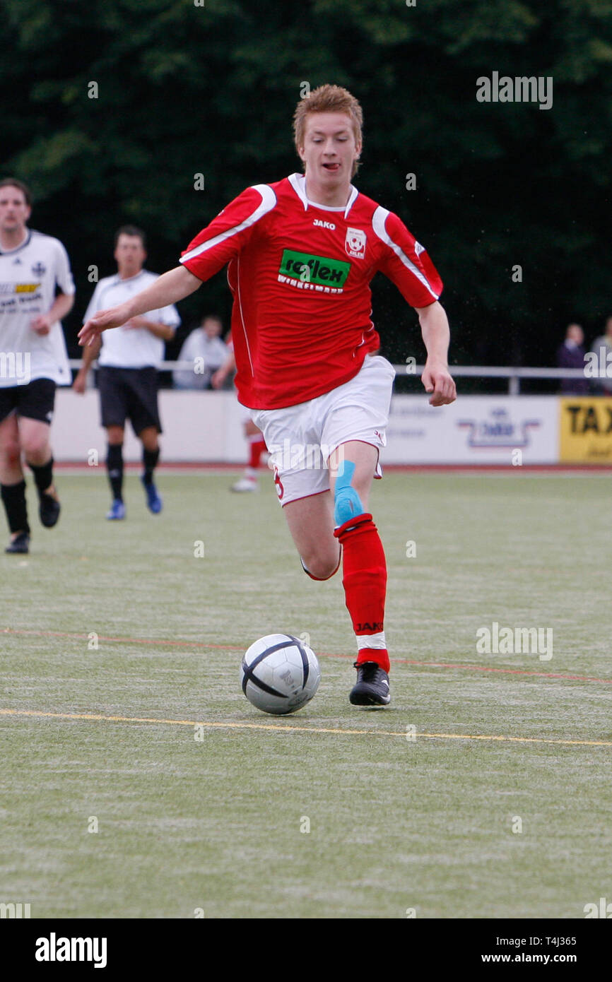 Marco REUS, RW Ahlen, in a test game versus Vorwaerts Ahlen, with Ball, single action with ball, action, full figure, portrait, football, Marco REUS as a young player for RW Ahlen. | usage worldwide - Stock Image