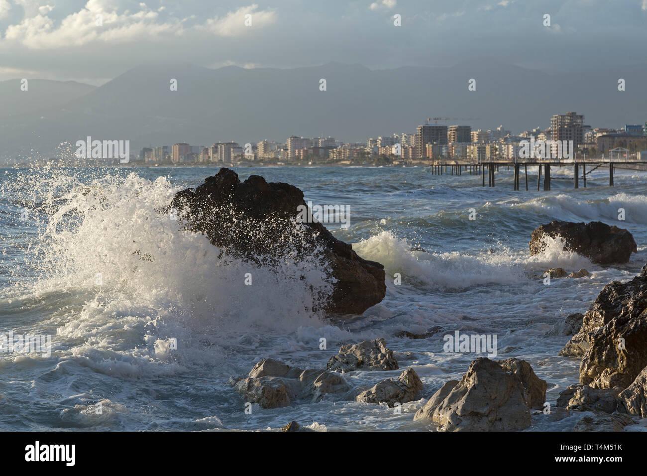 swell at the seafront of Kargicak, Alanya, Province Antalya, Turkey - Stock Image