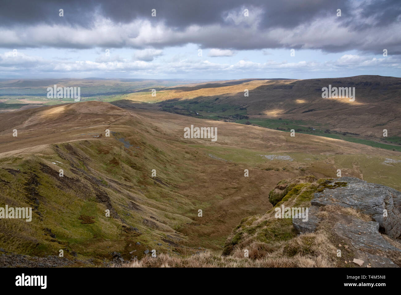View across the Eden valley from the summit of Wild Boar Fell, Mallerstang, Cumbria - Stock Image