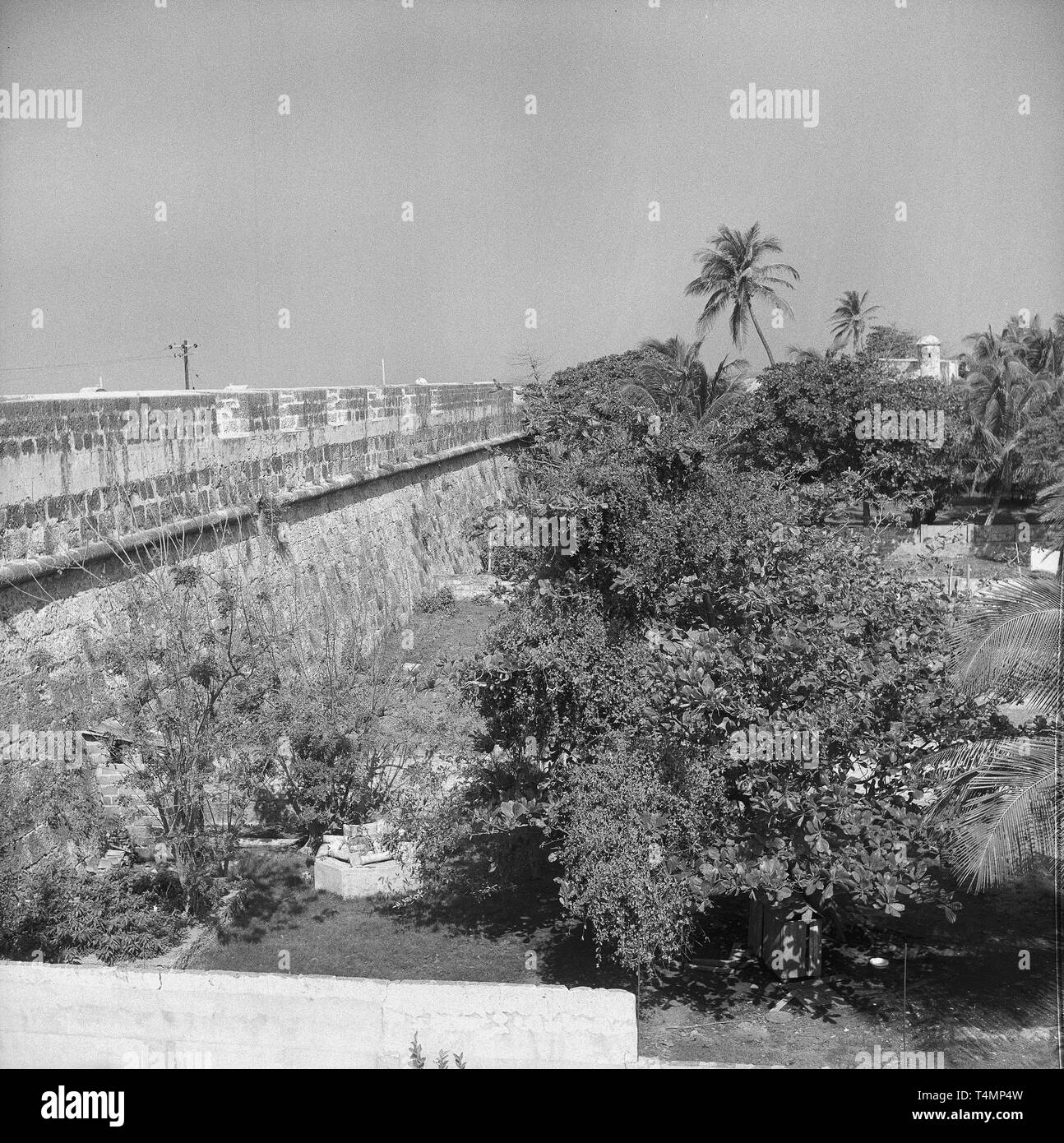 View from a bastion on the outskirts of the city, Cartagena (Bolívar), Colombia, 1958. | usage worldwide - Stock Image