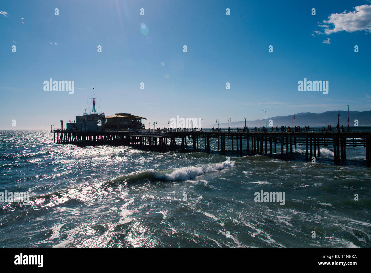 The Santa Monica Pier in the late afternoon. Exclusive - Stock Image