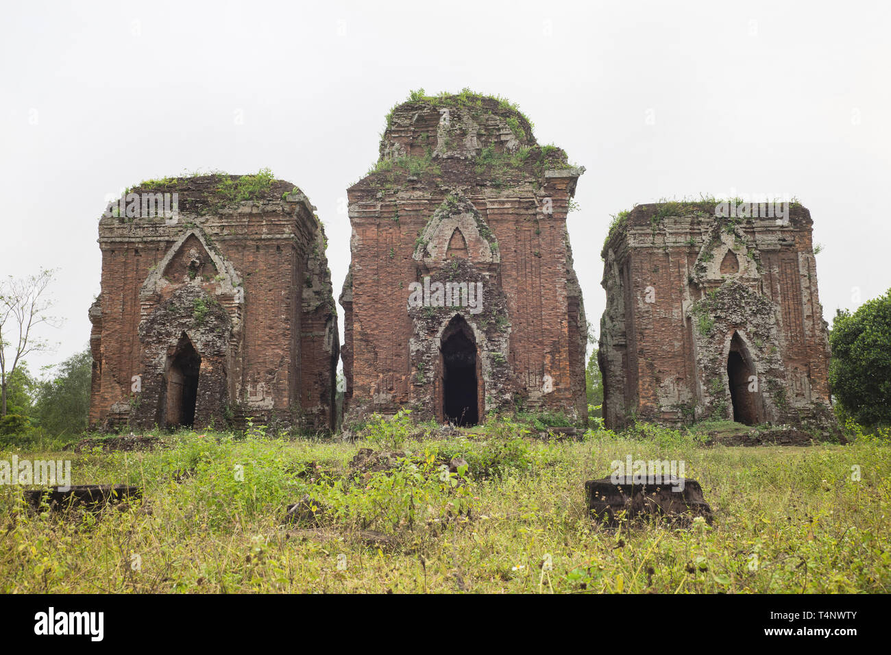 Chien Dan, Champa ancient tower in Quang Nam, Vietnam, is a group of three towers from the ancient Champa civilization. The towers are aligned on a no - Stock Image